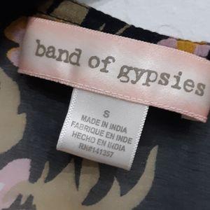 Band of Gypsies Sweaters - Band of Gypsies Floral Boho Shawl Wrap